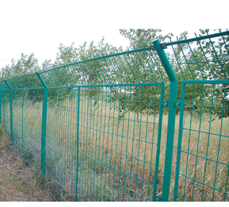 Frame Welded Mesh Fence to Protect Roadway(Galvanized/PVC)   AMH-006