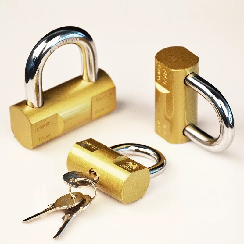 Top Security Silver hammer padlock with vane keys  p46