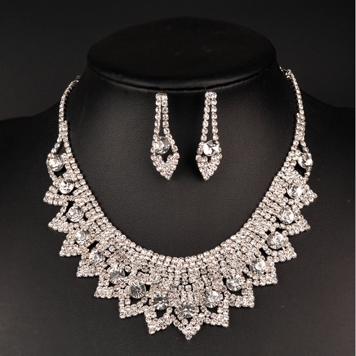Exaggerated Hot-Selling Lace Diamond Necklace