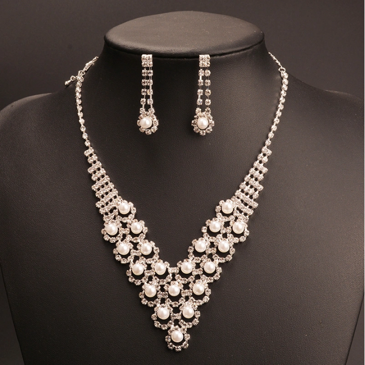 Fashion Simulated Pearl Jewelry Set Women Elegant Claw Chain Statement Necklace Drop Earrings