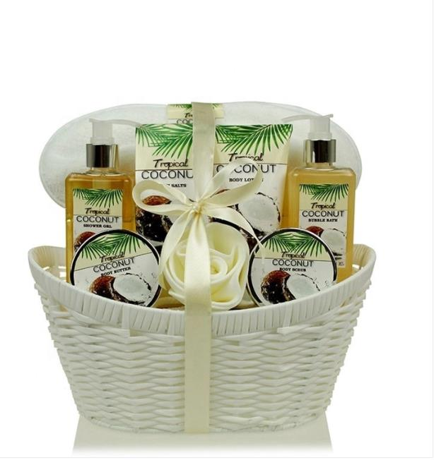 Personalised Women Coconut Scented Care Bath and Body Works Lotion Basket Gift Natural Bath SPA Set