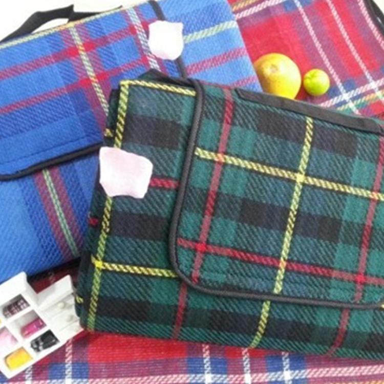 Fold up Picnic Blankets Lattice Style Acrylic Fibres waterproof Picnic Blanket Wholesale Qh-008
