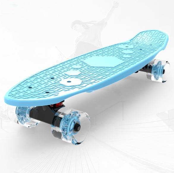Children Skateboard Four-Wheel Flash 3-6 Year Old Boys Girls Children Students Paddleboard Skateboard Beginner Fish Board